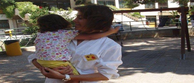 Μια αγκαλιά και λίγο από το χρόνο σου μεγάλο δώρο για τα παιδιά που βρίσκονται εγκαταλελειμμένα στα νοσηλευτικά Ιδρύματα.